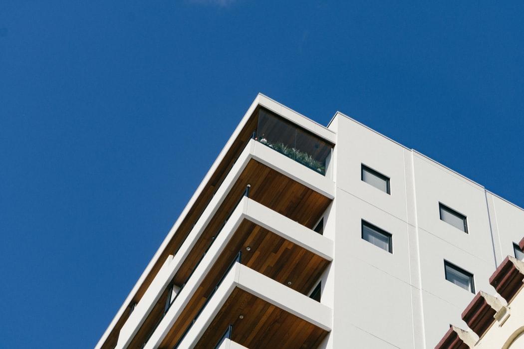 Czynniki wpływające na ceny mieszkań w Warszawie