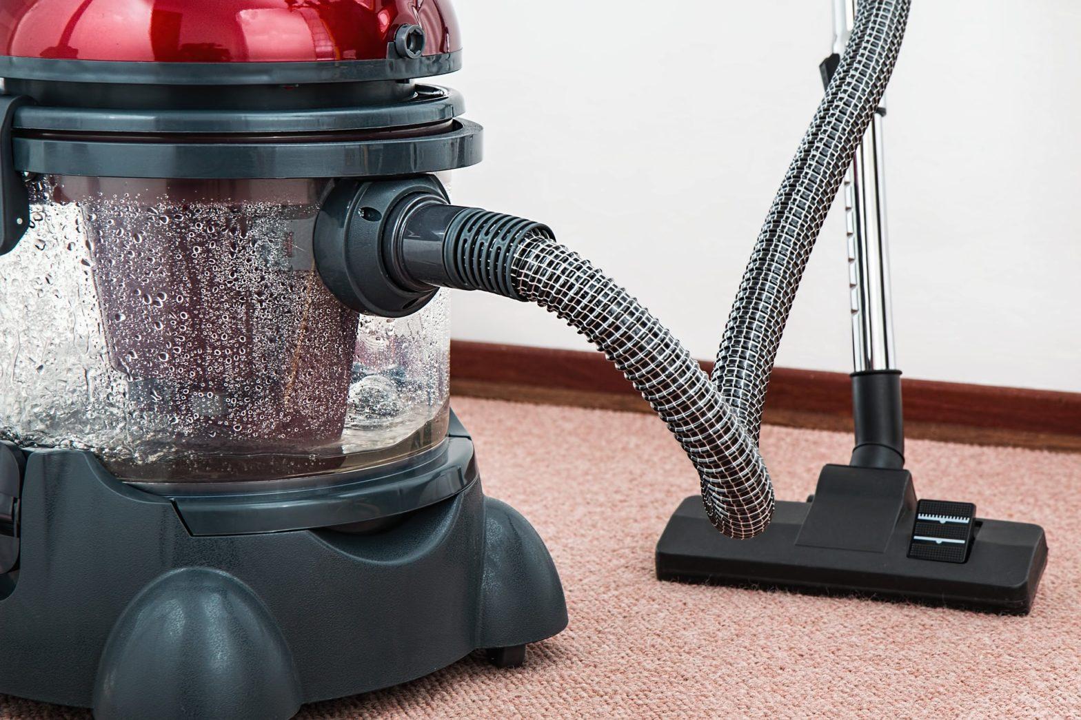 Korzyści z korzystania z usług firmy sprzątającej