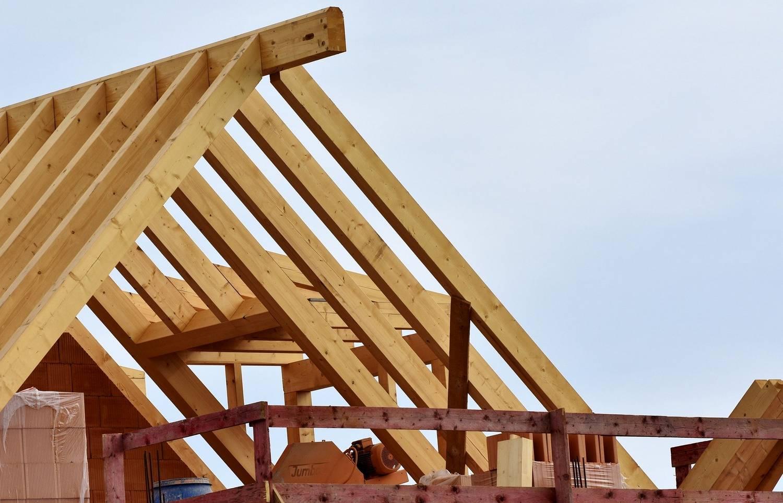 Wiązary dachowe - jakie drewno wybrać?